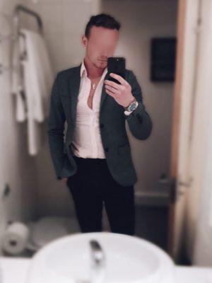 straight male escorts